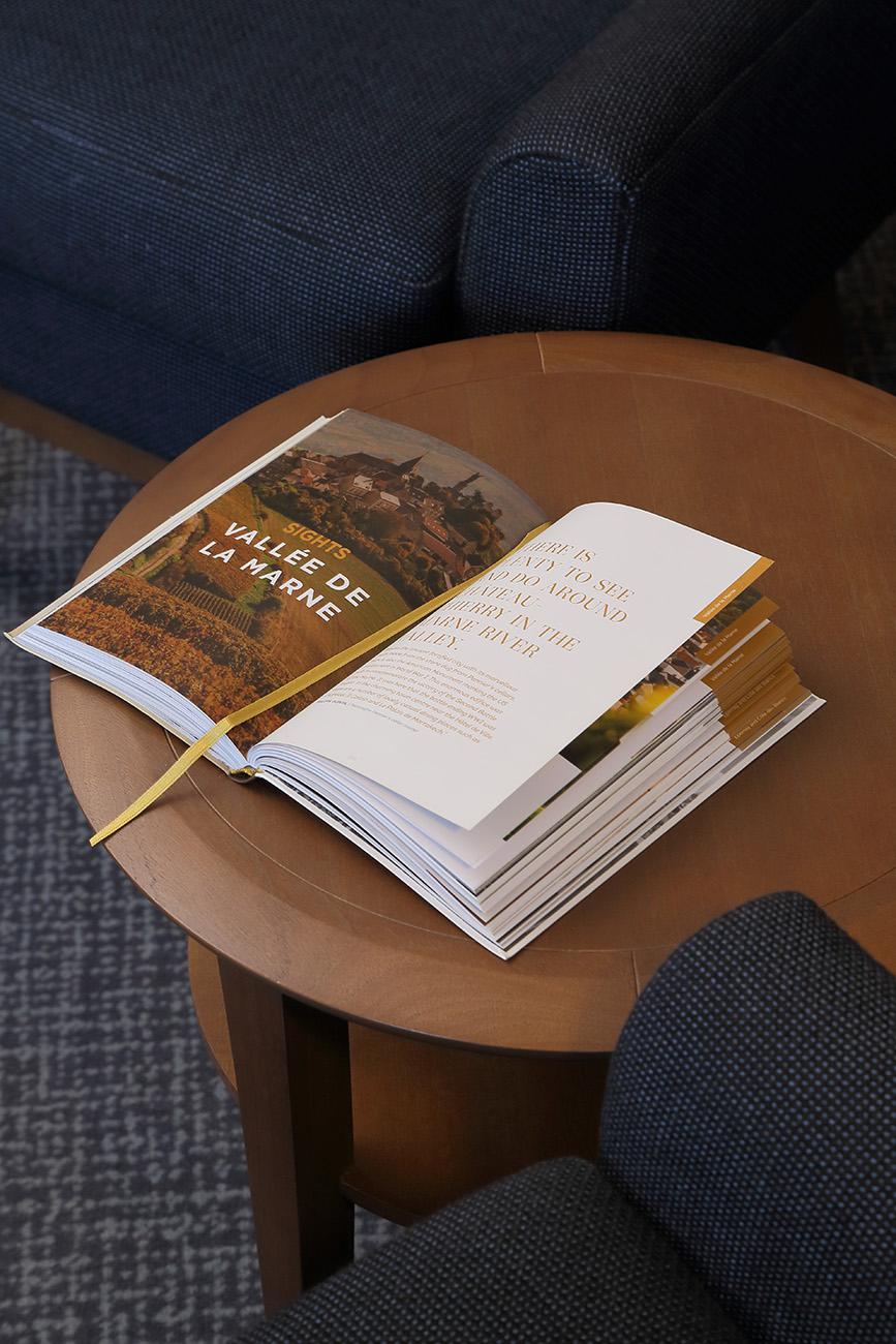 Table Livre - Hotel Restaurant Les Grains d'Argent