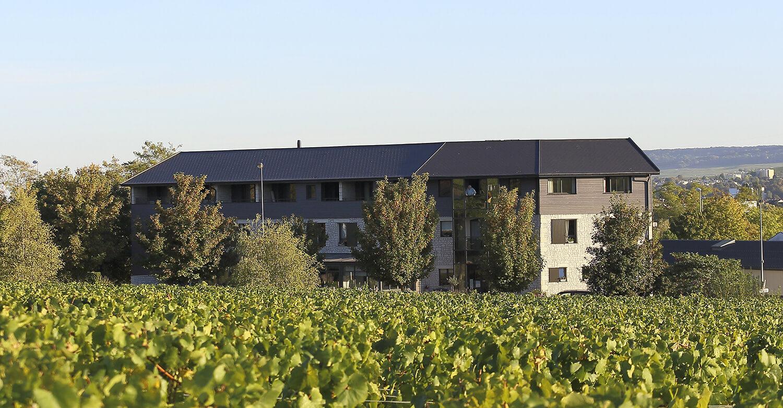 Facade batiment - Hotel Restaurant Les Grains d'Argent