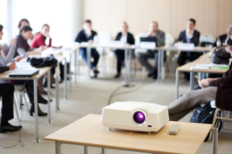 Salle de séminaire - vidéo projecteur - Hotel grains d'argent