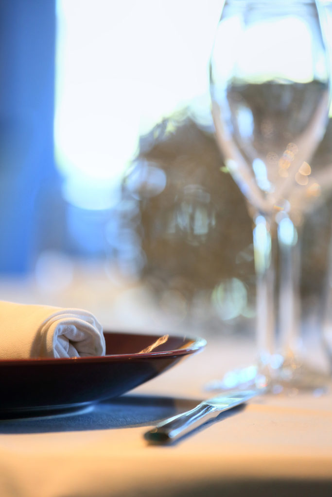 La cuisine de clément - Assiette et flute - Hotel Restaurant Les Grains d'Argent